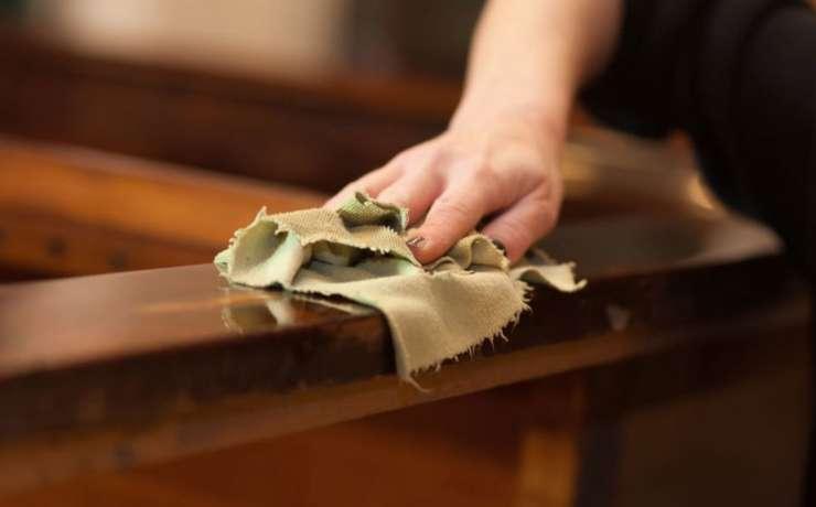 Особенности ухода за антикварной мебелью